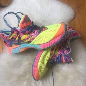 Asics Women's Gel Noosa Tri 10 Size 9